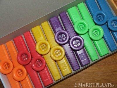Gekleurde kazoo
